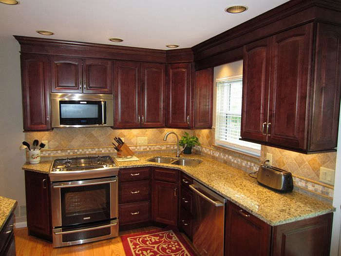 Kitchens pictures of remodeled kitchens for Kitchen design korner